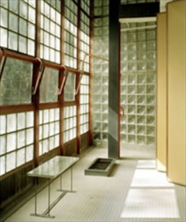 ガラスブロックの家