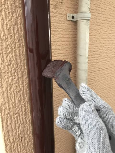 雨どい塗装 施工中