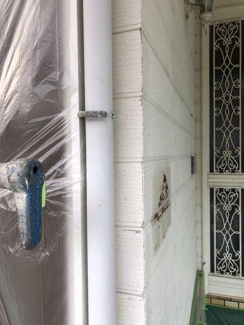 今治市外壁塗装工事。付帯部塗装をしていきます。雨樋塗装を紹介します。